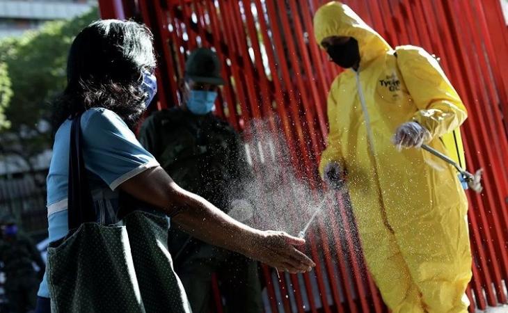 Braziliyada koronavirusa 42 mindən çox yeni yoluxma qeydə alınıb