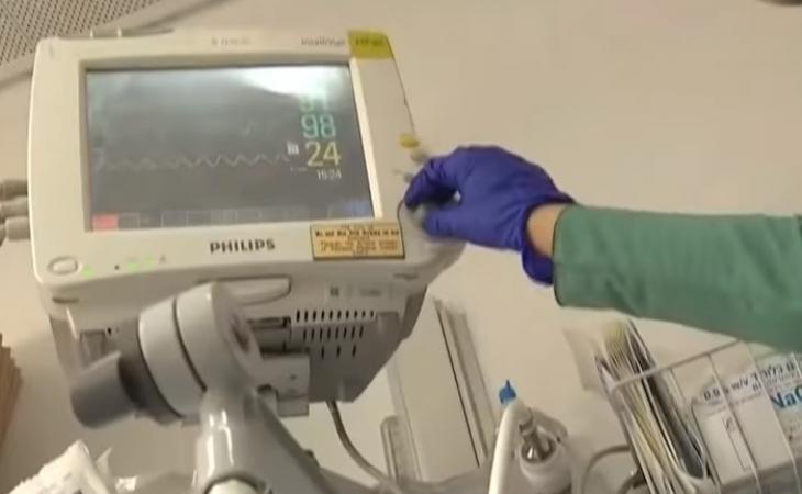 İsrail xəstəxanalarına yeni süni ağciyər ventilatorlar verilir