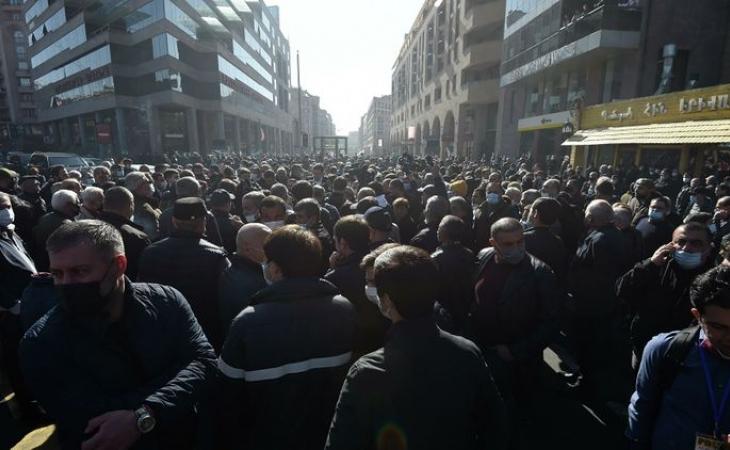 Ermənistanda Paşinyanın istefası tələbi ilə keçirilən aksiyada 62 nəfər saxlanılıb