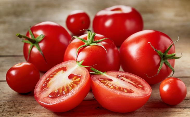 Həkimlər pomidor yeməyin təhlükəli olduğunu söylədilər