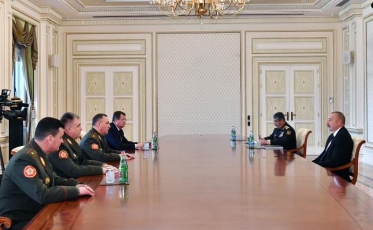 Prezident İlham Əliyev Belarusun müdafiə nazirini qəbul edib 