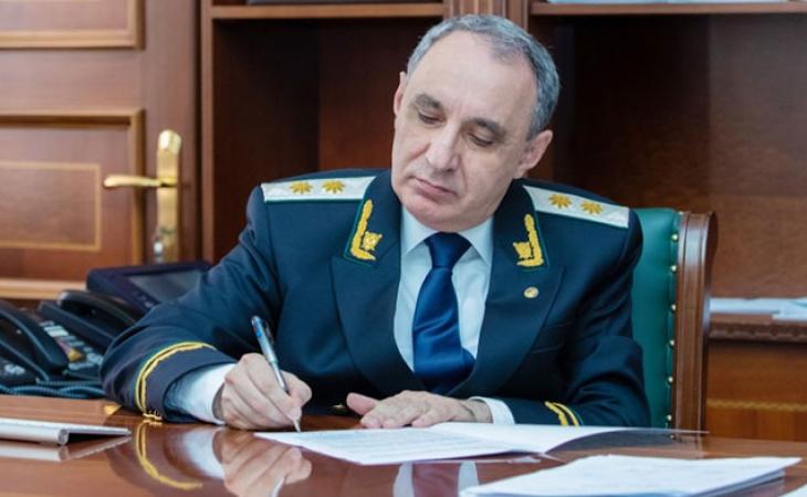 Baş prokurorun köməkçisi VƏZİFƏDƏN AZAD EDİLDİ - FOTO