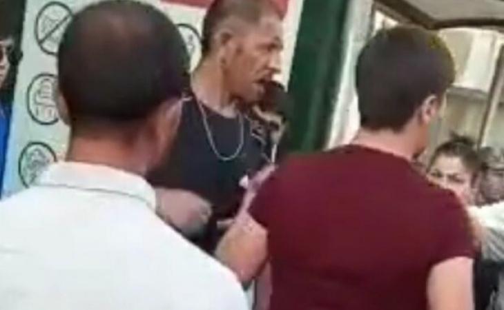 Bakıda küçədə narkotik satanı döydülər - VİDEO
