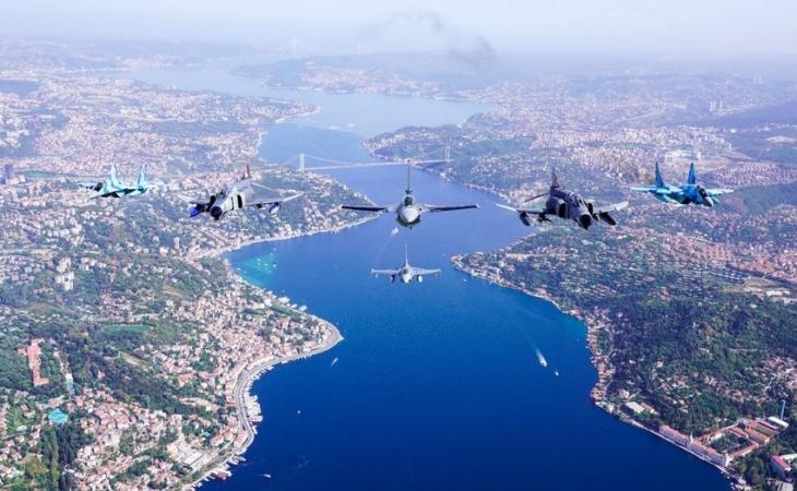 Azərbaycan qırıcıları İstanbul səmasında nümunəvi uçuşlar həyata keçirib-FOTO